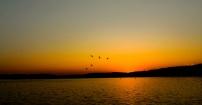 Wschód słońca nad jeziorem Necko